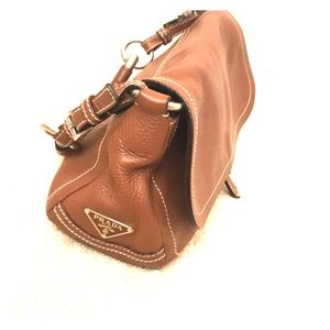 Gorgeous tan pebbles leather Prada handbag